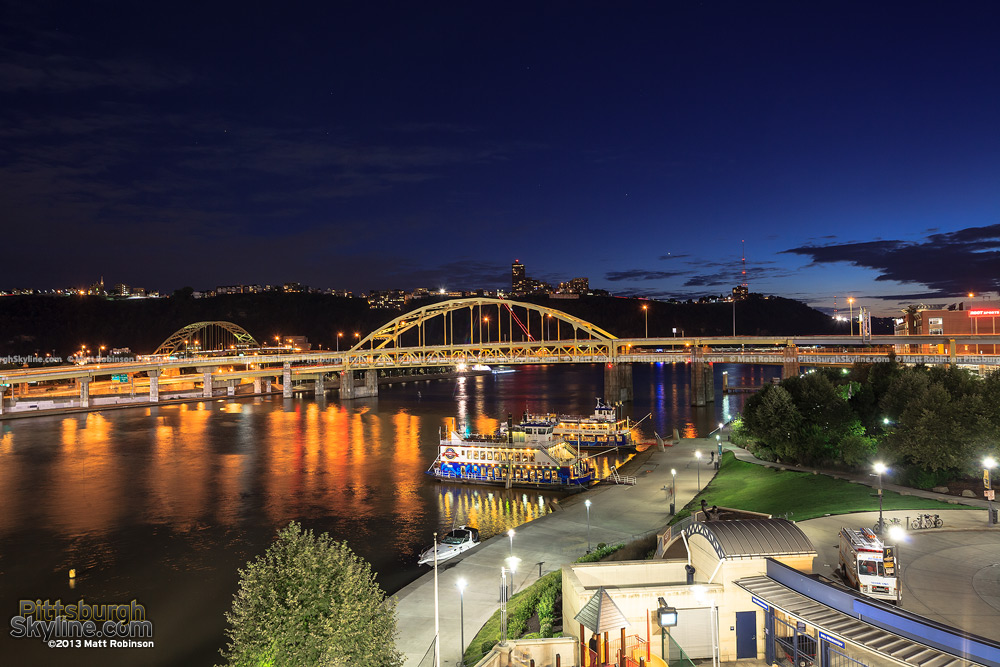 Fort Duquesne Bridge at dusk