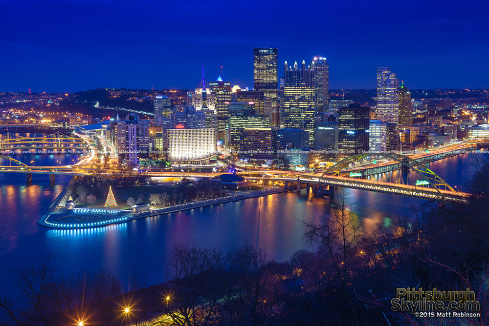 Pittsburgh from Grandview Avenue at night in 2015