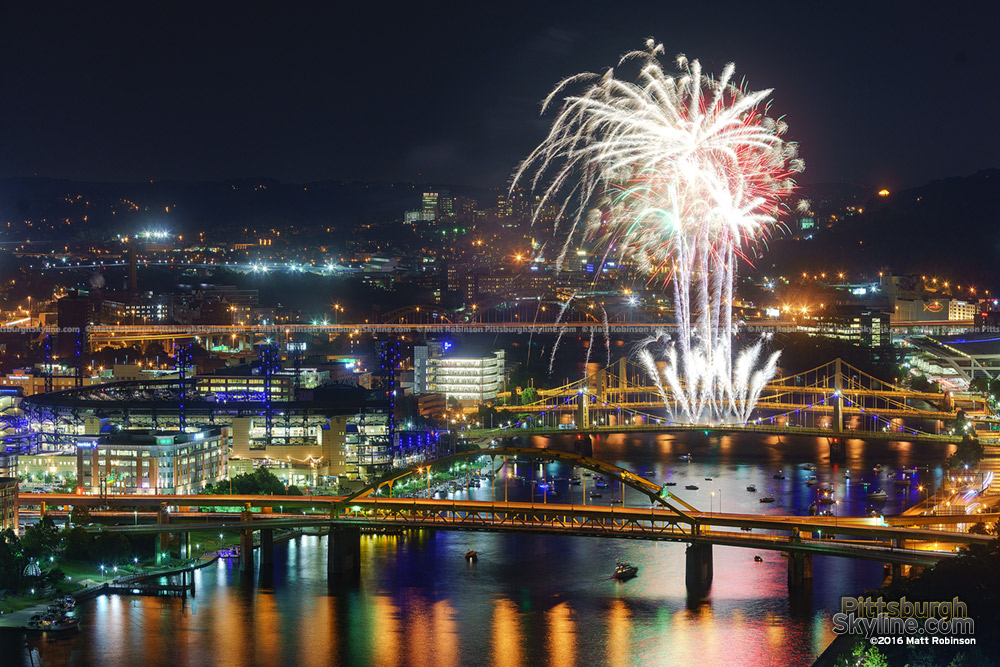 Fireworks over the Allegheny River on Fireworks Night