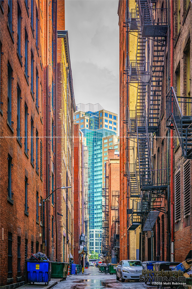 Pittsburgh alleyway